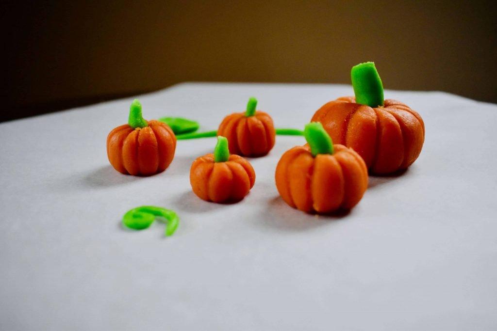 Halloween marzipan models mini pumpkins