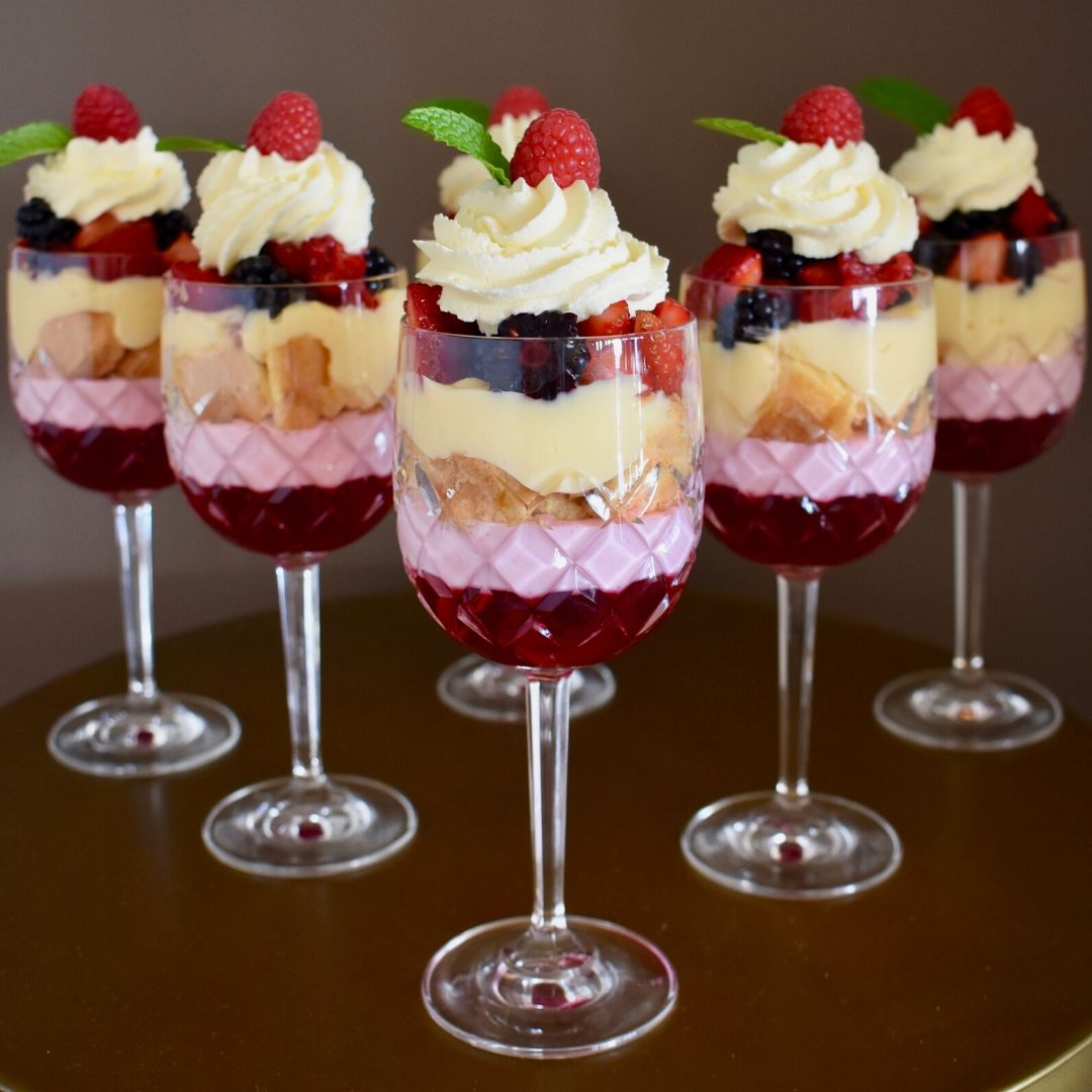individual mini christmas trifles