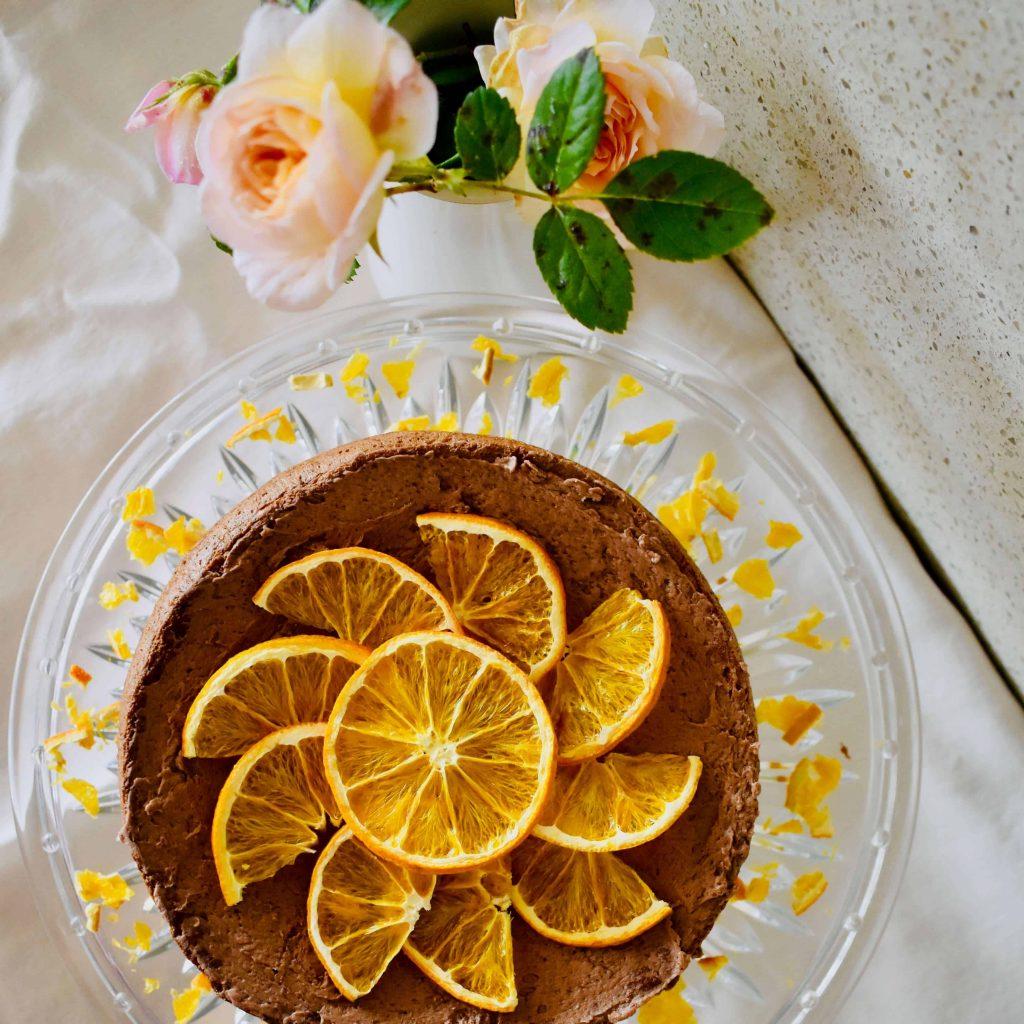 ginger sponge cake decorated