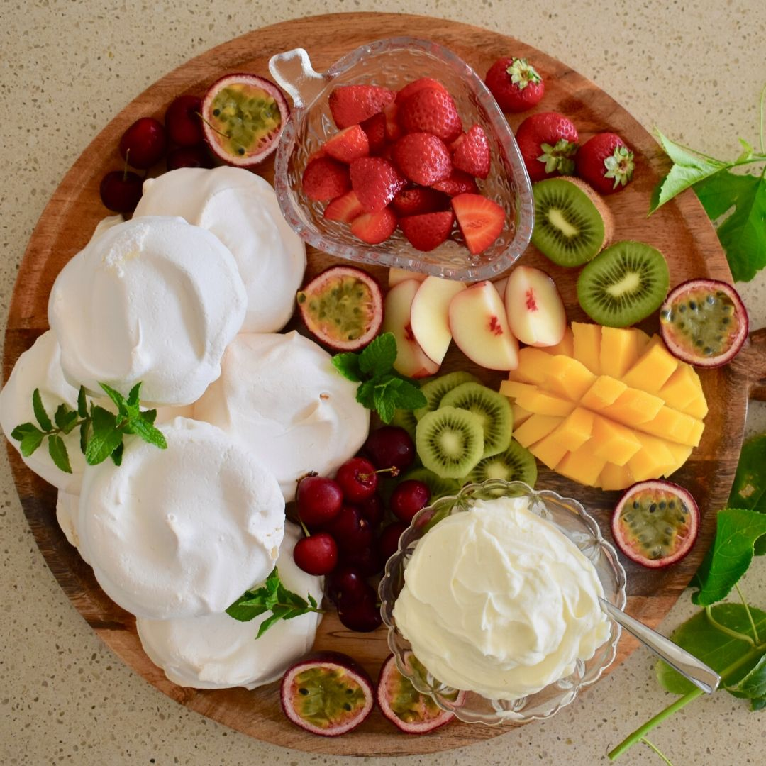 pavlova grazing board