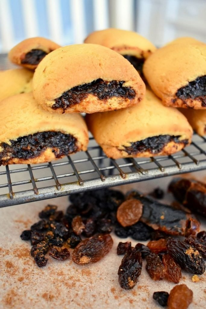 spicy fruit roll biscuits