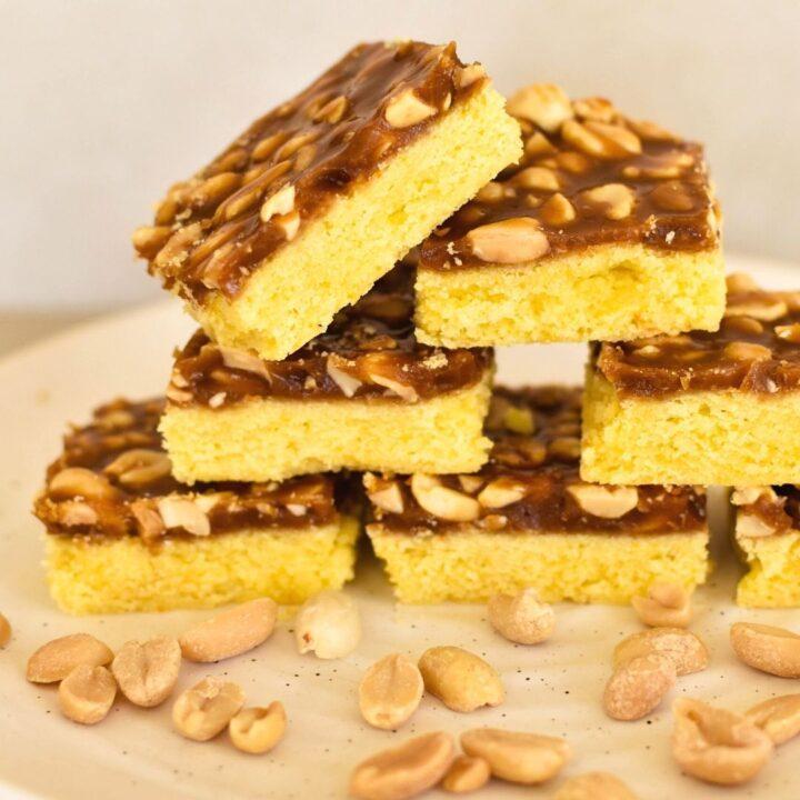 caramel peanut slice
