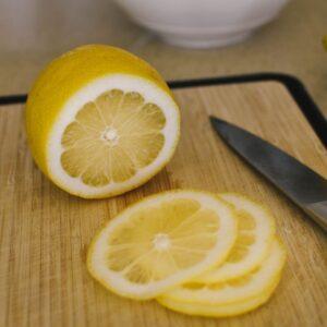 thinly sliced lemons